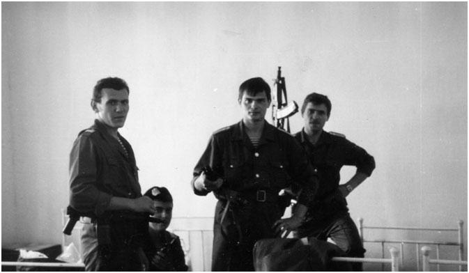 Милиционеры 10-й специальной роты Харьковского ППСМ в командировке. 1990 год.